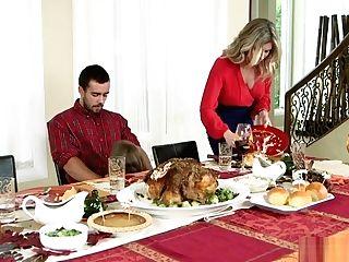 Moms Bang Nubile - Insatiable Family Thanksgiving