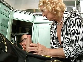 Matures Housewife Regi Deep-throats Plumber's Strong Man Meat...