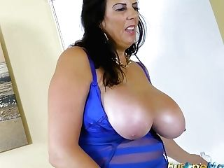 Europemature Big-boobed Grandmother Lulu Solo Getting Off